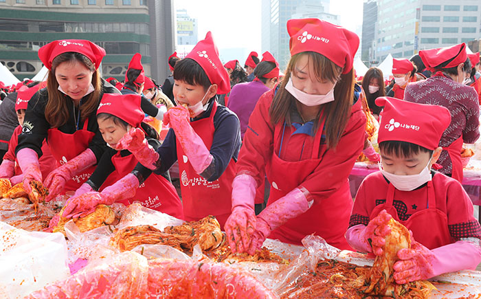 kimchi-making