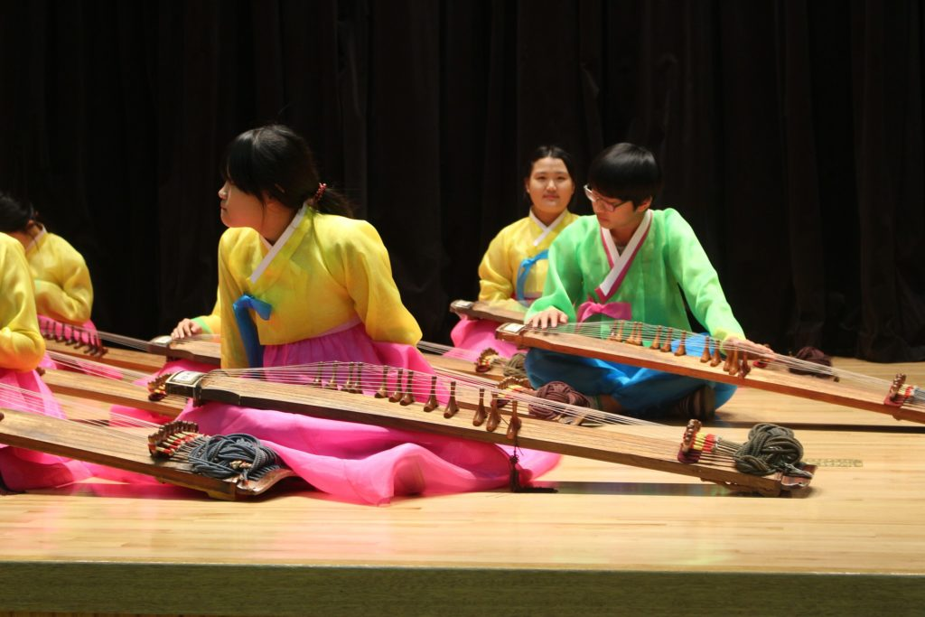 gayageum-performance-korean-popular-music