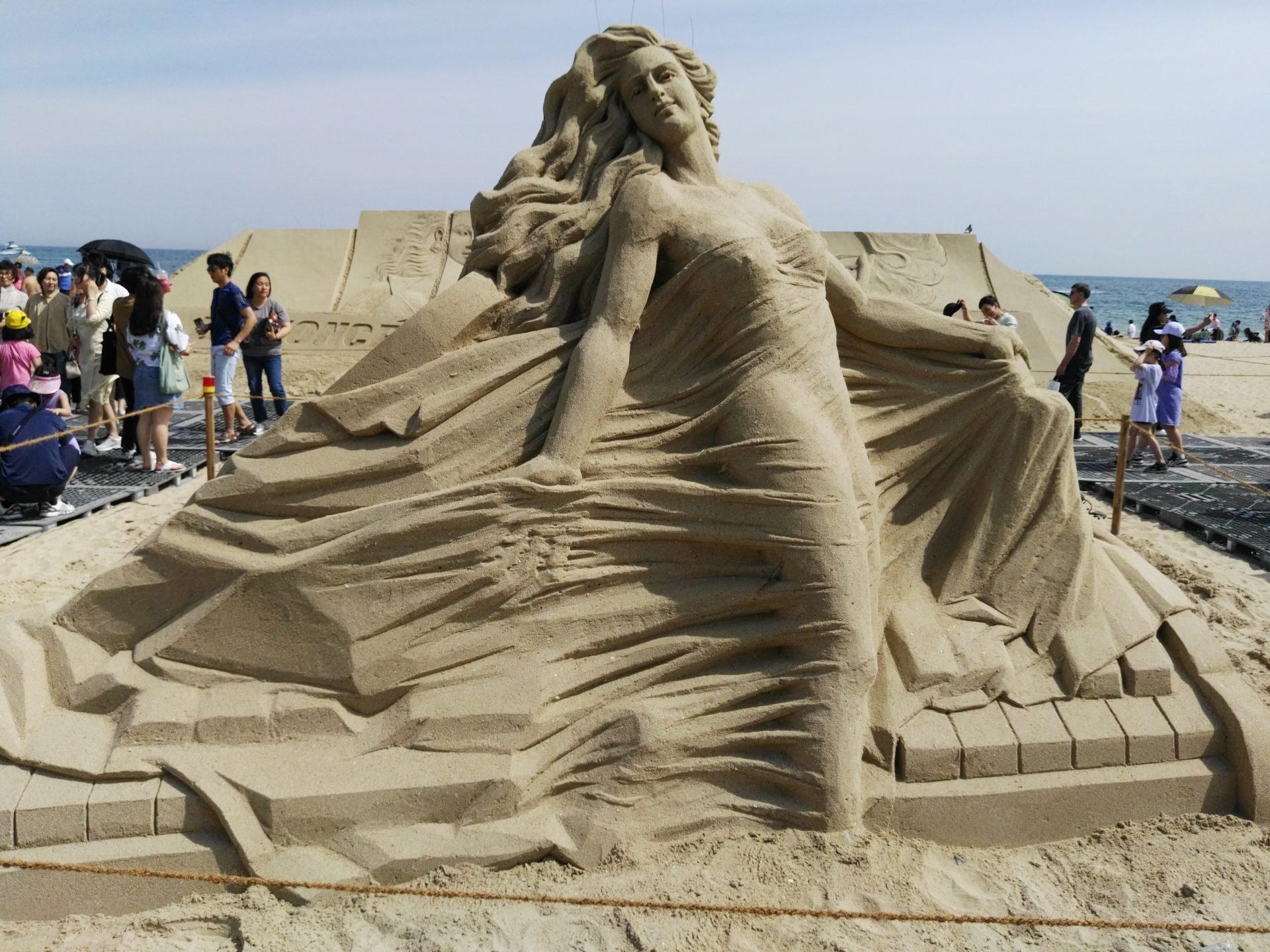 Scultura di sabbia durante l'Haeundae Sand Festival